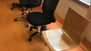 デスクワークにおける座り方の重要性について